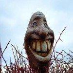 Viso statua che ride.