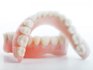 quali sono le protesi dentarie fisse